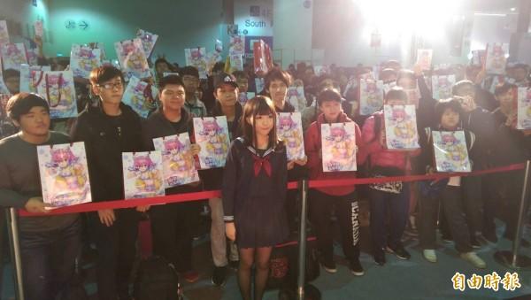 台灣美少女繪畫家Stellarism今在動漫節舉辦首次個人簽名會。(記者蕭玗欣攝)