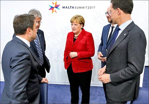 德國總理梅克爾提醒歐盟成員國,歐洲命運掌握在自己手中。(歐新社)