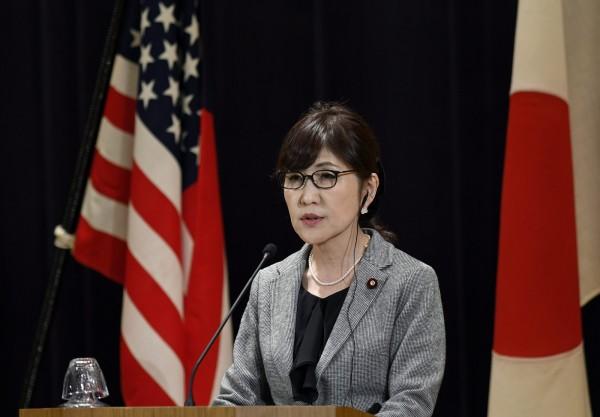 稻田朋美對美軍的「航行自由」行動表示支持,今日她在節目中談到「航行自由」行動時,表示日本海上自衛隊不會參加。(歐新社)