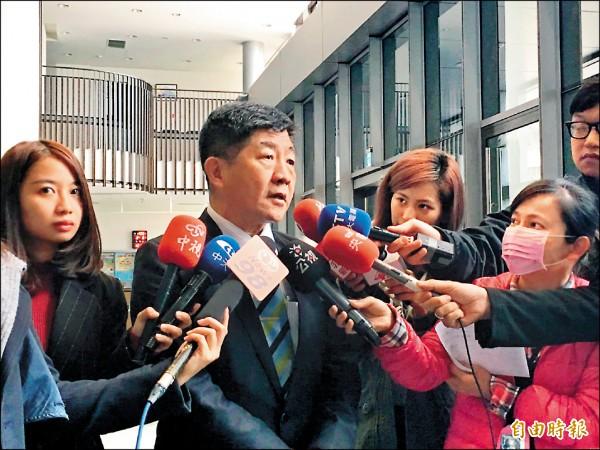 即將接任部長的陳時中昨到衛福部聽取業務交接,坦言「壓力很大」。(記者吳亮儀攝)