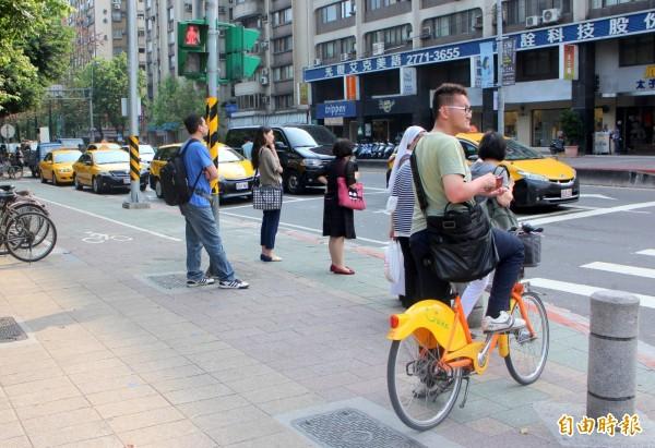 台北市Ubike已經成為許多人習慣使用的交通工具,使用人次累計已經超過2千萬人次。(資料照,記者郭逸攝)