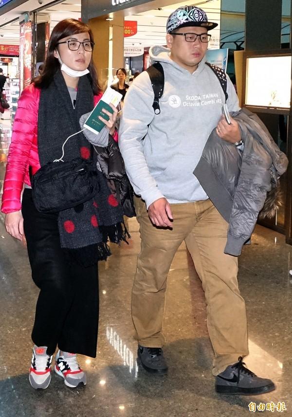 香港昨日發生地鐵縱火案,台灣遊客張欣茹受到牽連,傷勢相當嚴重,張女的弟弟與弟媳11日下午搭機前往香港,處理張女後續就醫事宜。(記者朱沛雄攝)