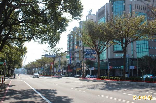 世大運新竹縣賽場周邊的光明6路等主幹道,今天公告4月起禁止開挖施工,為期4個月。(記者黃美珠攝)