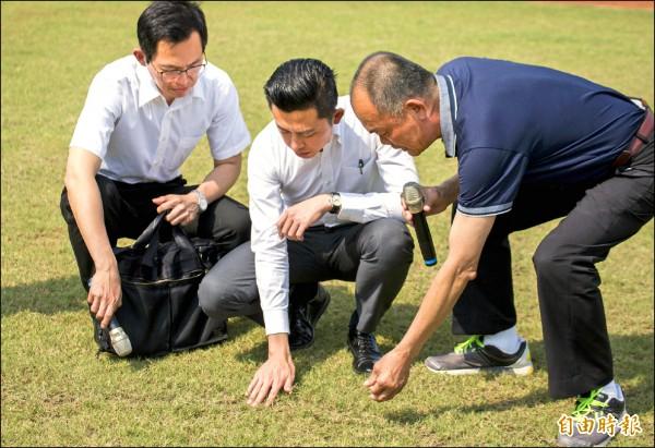 市長林智堅(中)已爭取到行政院相關規劃經費。(記者洪美秀攝)