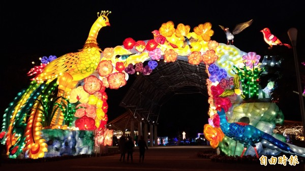 台灣燈會百鳥迎福燈區,你走過了嗎?(記者廖淑玲攝)