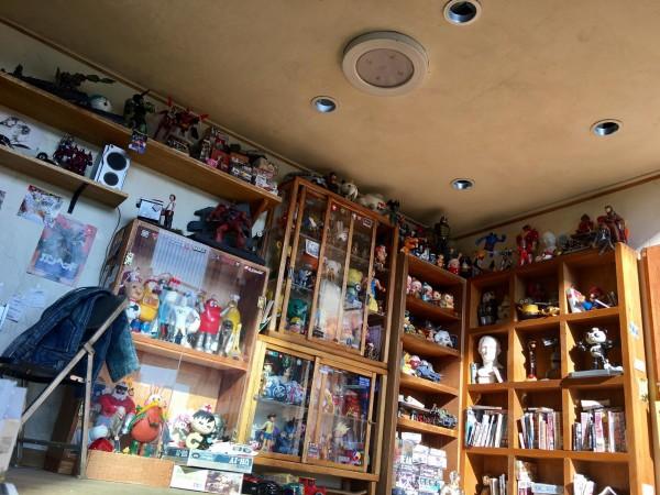 台灣模型達人鄭鴻展的「玩具收納房」。(鄭鴻展授權提供)