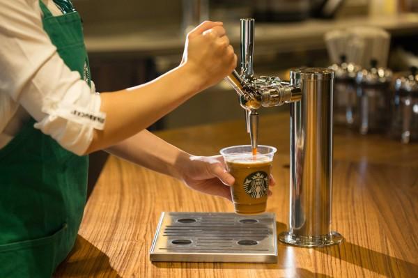 連鎖咖啡店星巴克昨起調漲多款飲品售價,引發外界議論。(統一星巴克提供)