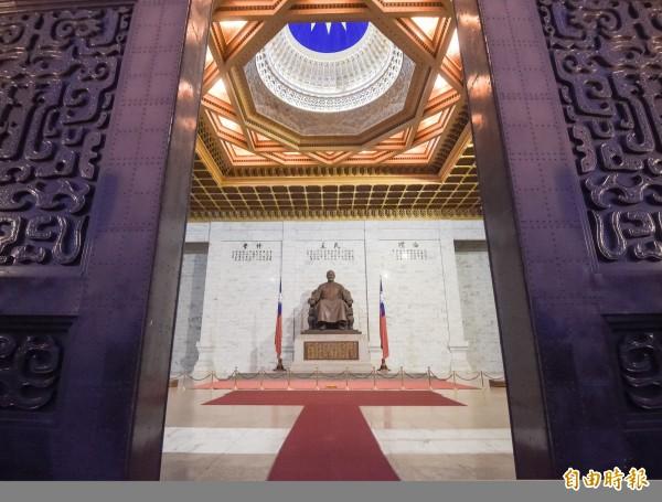228事件今年屆滿70週年,文化部長鄭麗君25日召開記者會宣布,目前開、閉館已停止播放「蔣公紀念歌」。(資料照,記者黃耀徵攝)