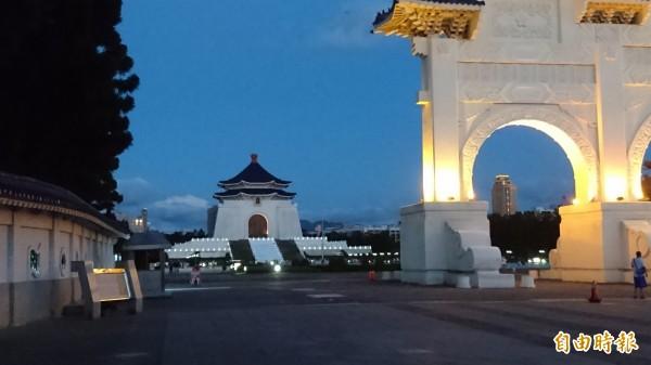 總統府發言人黃重諺表示,有關文化部宣布中正紀念堂今天閉館,並非臨時決定,而是本來就有的規劃。(資料照,記者王冠仁攝)