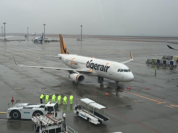 桃園機場第一航廈的台灣虎航櫃位昨系統故障,影響1800名旅客。(資料照,台灣虎航提供)