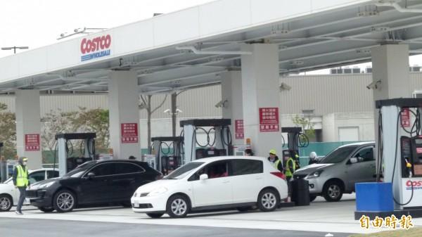 好市多首家加油站今開幕,第2家最快明年開站。(記者李容萍攝)