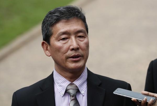 北韓常駐聯合國前副代表李東日認為,馬來西亞吉隆坡機場「北韓籍死者」死於心臟病發。馬國政府指,李東日所指為金正男,即金正恩的兄長。(美聯社)