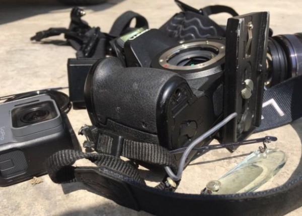 中國兩會今正式召開,BBC記者在前往湖南採訪村民時遭一群不明人士阻攔及攻擊,攝影器材也遭砸毀。(圖擷自BBC)