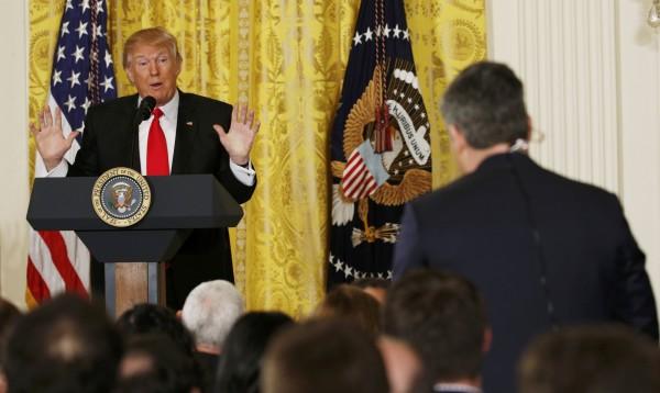 美國總統川普上任後,與媒體關係不睦。(路透)