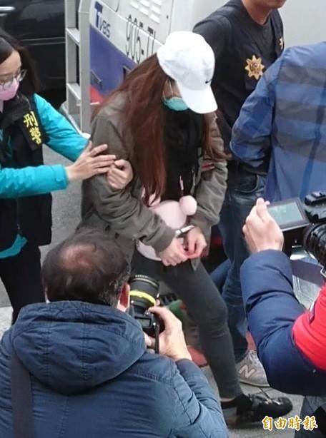 程宇的梁姓女友在案發時也在場,被士林地院裁准羈押禁見。(記者黃捷攝)