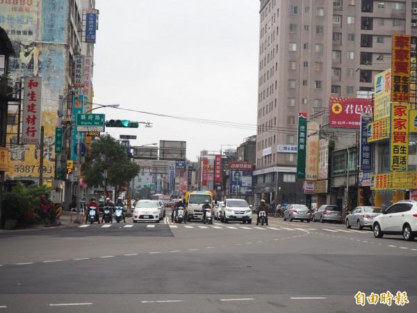 桃園區中山路車流量大,是民眾檢舉噪音車的第3名。(記者陳昀攝)