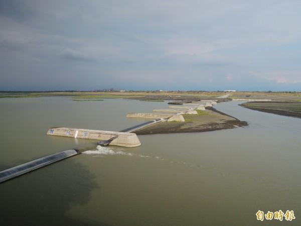 高屏溪(圖)降下3毫米雨量,無助旱象。(記者黃旭磊攝)