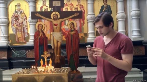 索科洛夫斯基(見圖)日前在教堂裡抓寶被捕,若被定罪,最高將被判處7年半徒刑。(圖擷自wral.com)