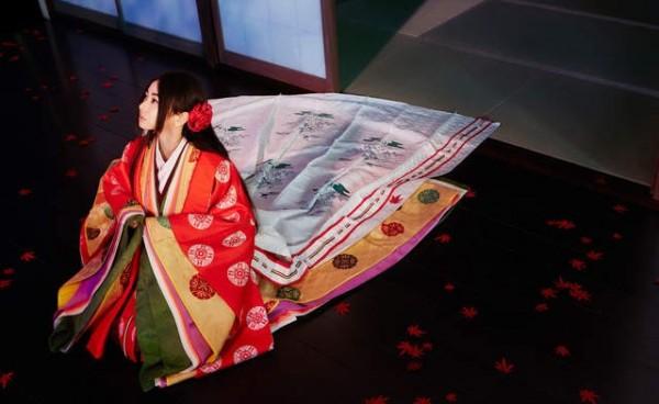 《名偵探柯南》劇場版來到了第21部——以大阪和京都為舞台的《名偵探柯南:唐紅的戀歌》,倉木麻衣帶來新主題曲《渡月橋~我想念你~》(圖擷取自倉木麻衣 Official YouTube Channel)