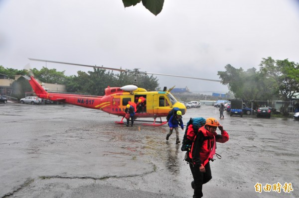 警消歷經20天找不到李盈勳,宣佈停止搜救任務,家屬則表示會繼續找山青幫忙,不放棄任何希望。(記者花孟璟攝)