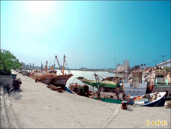 曾被譽為烏魚故鄉的蚵仔寮漁村。(記者蔡清華攝)