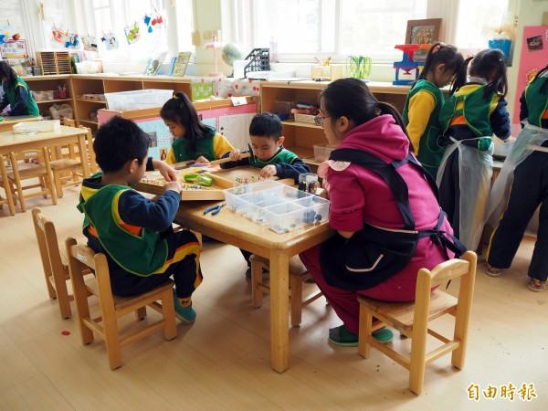 非營利幼兒園價格較私立幼兒園便宜,教學和經營受政府監督,是市府力推的方向。(記者陳昀攝)