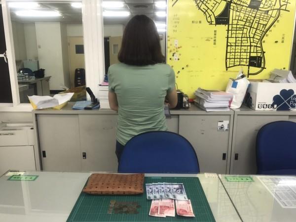 26歲泰籍應召女遭國軍當街行搶。(記者黃旭磊翻攝)
