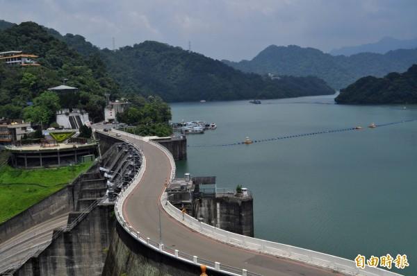 石門水庫除了能儲水,也是觀光勝地。(資料照,記者李容萍攝)
