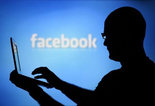 臉書帳號若被「綁架」,個資、臉書帳號、密碼皆會被盜用。(路透/情境照)