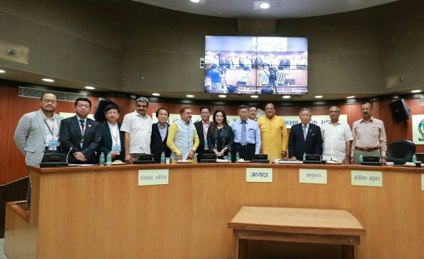台北市長柯文哲今下午率團拜會印度北德里市長Dr. Sanjeev Nayyar,進行市政交流。(北市府提供)