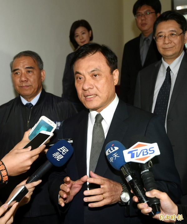 立法院31日舉行院會,院長蘇嘉全主持朝野協商後受訪。(記者方賓照攝)