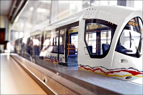 法國Alstom打造的一款輕軌。(翻攝自陳菊臉書)