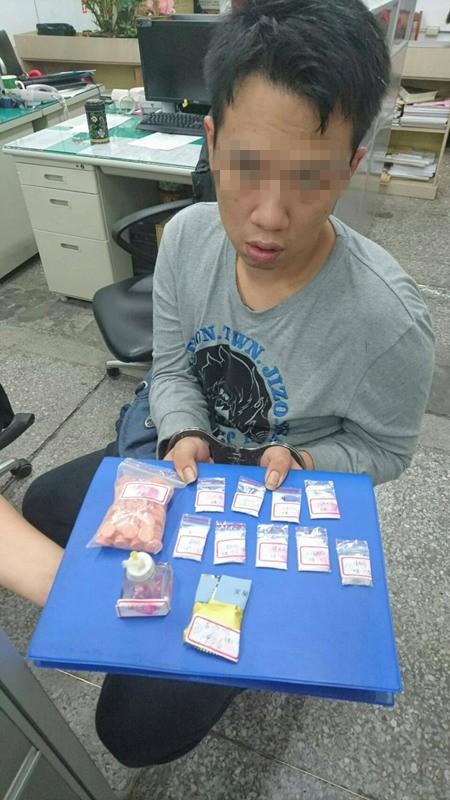 陳姓男子去年向釣蝦場強取保護費,現又因販毒被逮。(記者江志雄翻攝)