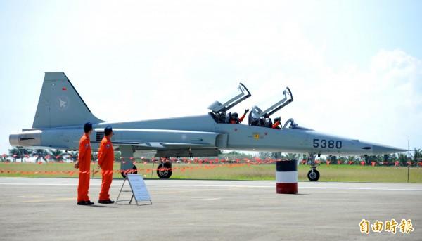 空軍官員透露,高教機生產完成後,將全數部署在空軍台東志航基地,並優先將老舊的F5戰機汰換。(資料照,記者羅沛德攝)