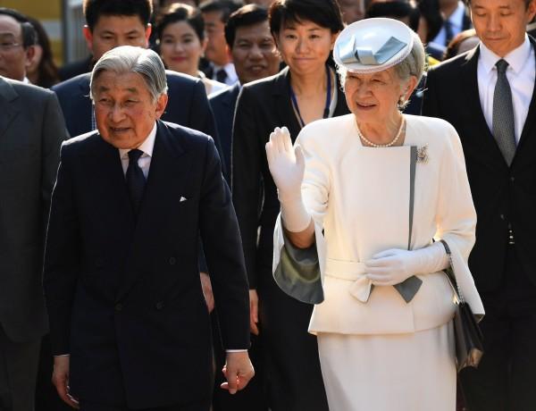 退位後,天皇明仁和皇后美智子的尊稱依然相同,將同樣尊稱為「陛下」。(路透)