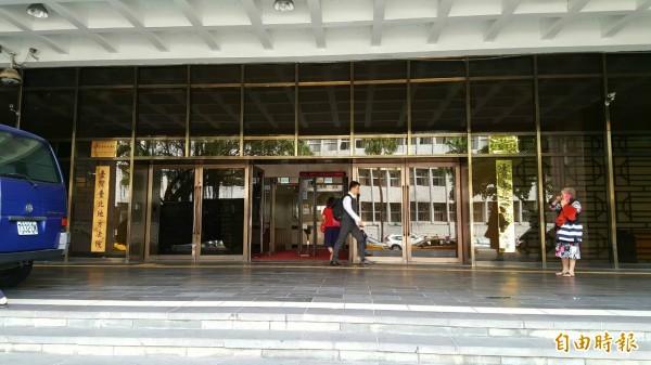 當初起訴此案的台北地檢署今天表示,待收到法院判決後,再研議是否提出上訴。圖為北檢門口。(資料照,記者溫于德攝)