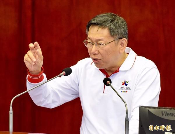 針對台灣非政府組織(NGO)人權工作者李明哲「被失蹤案」,台北市長柯文哲今天在市議會答詢時表示,中國扣留李明哲「不聰明就是這樣!」(記者羅沛德攝)