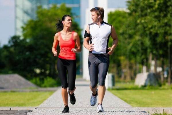 根據國外最新研究,擁有跑步運動習慣的人,平均壽命可多活3年。(法新社)