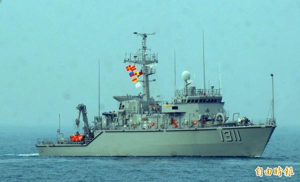 海軍司令部今表示,獵雷艦契約明確律定不允許中國地區廠商參與,如果發現確有情事,海軍會終止或解除契約。。圖為海軍永靖級獵雷艦。(資料照,記者王藝菘攝)