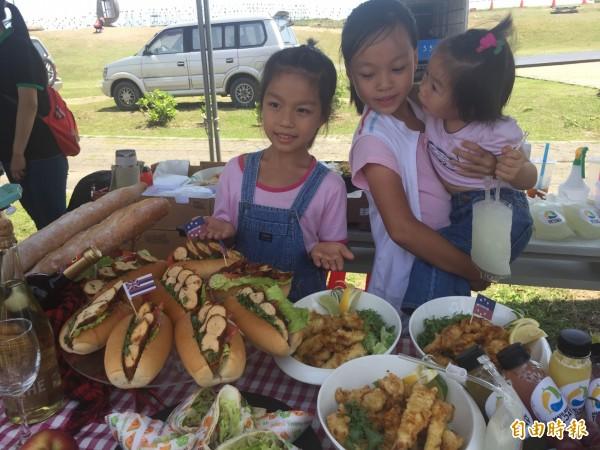 以鬼頭刀魚蛋堡為主菜的野餐組得冠軍。(記者張存薇攝)
