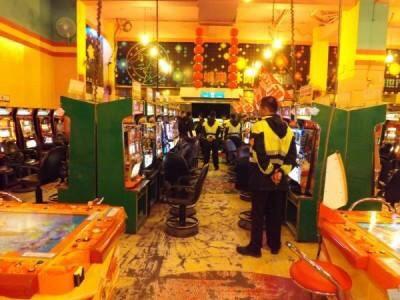 宜蘭縣檢警近期再度破獲賭博性電玩,查獲3家賭博性電子遊戲場。宜蘭縣代理縣長吳澤成表示,將研議不再發放設立電子遊戲場的相關執照。(記者林敬倫翻攝)