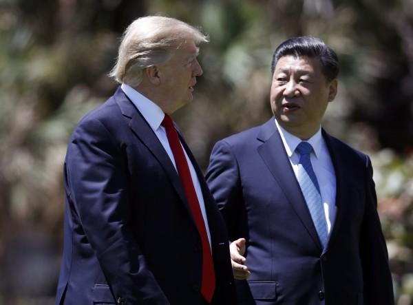 美國總統川普(左)和中國國家主席習近平(右)的「川習會」。(美聯社)