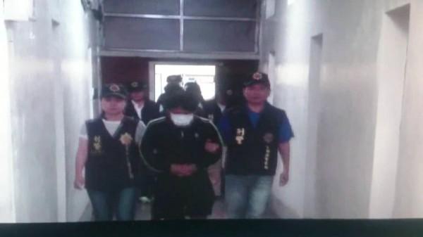 雲林西螺警方破獲持槍恐嚇取財犯罪集團,逮捕司嫌等4人。(記者黃淑莉翻攝)