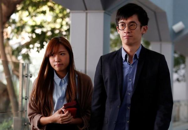 梁頌恆、游蕙禎於宣誓風波發生後,議員資格被拔,今早傳出兩人遭警方逮捕。(路透)