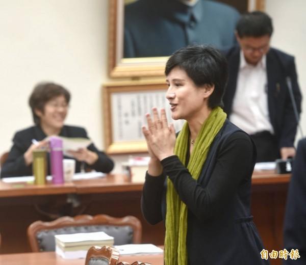文化部長鄭麗君27日前往立法院,列席教育及文化委員會備詢。(記者方賓照攝)