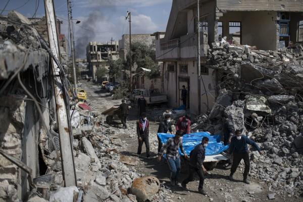 美軍指出,自2014年在伊拉克與敘利亞的IS控制區中進行空襲以來,造成352位平民喪生。(美聯社)