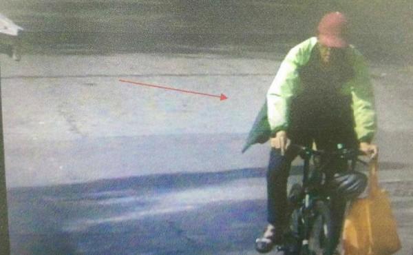 魏嫌偷單車代步被逮。(記者許國楨翻攝)