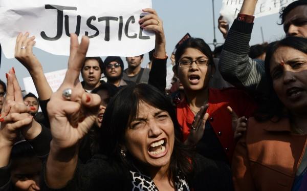 2012年發生在印度的集體性侵案,引發大規模示威。(法新社)