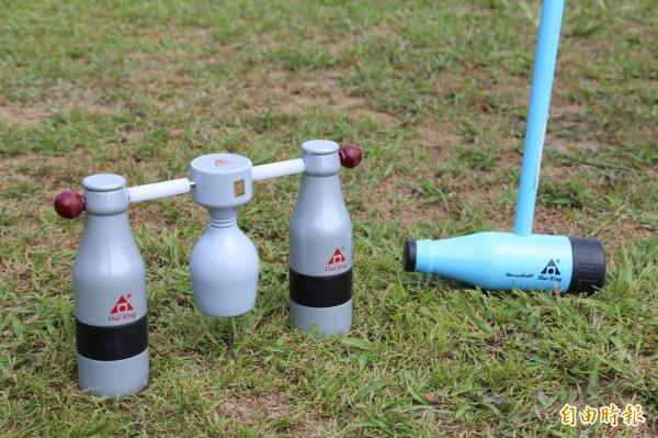 木球球具設計靈感源自台灣啤酒酒瓶與紅酒杯。(記者邱芷柔攝)