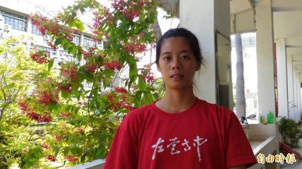 李怡靜「雙喜臨門」,不僅在全中運奪金,也順利錄取中正大學運動競技系。(記者洪定宏攝)